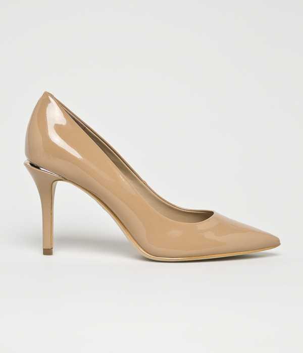 Guess Jeans Női Tűsarkú cipő testszínű